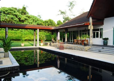 outside-pool-miracles-asia-rehab-thailand
